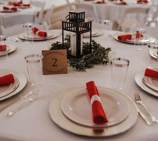 red and white tablescape for winter wedding