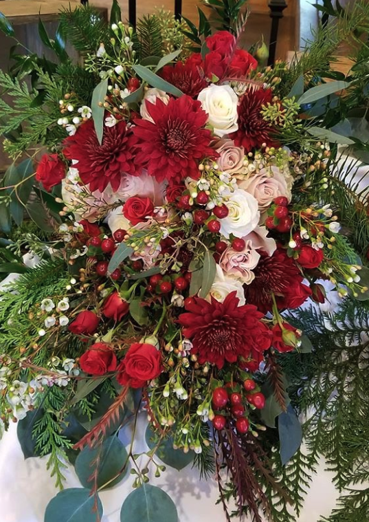 red and maroon bridal bouquet